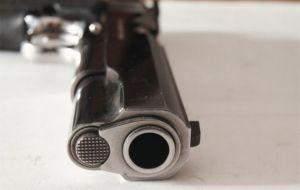 Handgun+gun+closeup